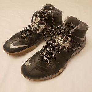 Nike Lebron Zoom SZ 12